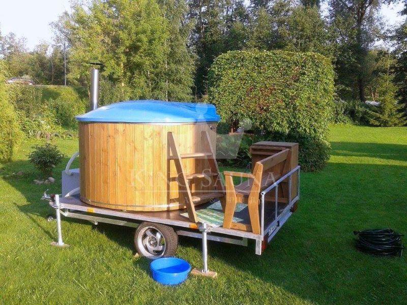 Mobile badetonne mit einem anh nger saunen badebottiche - Glasfaser mobel ...